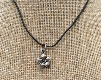 Sweet & Simple ~ Flower Charm