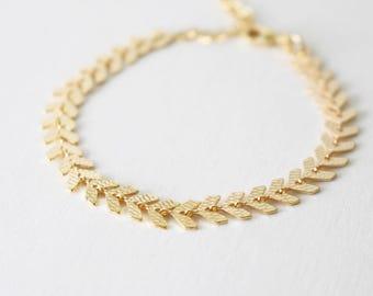 Chevron bracelet  // Gold Chevron bracelet // layering bracelet
