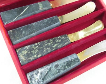 Vintage Stone Handle Spreaders Set of 4 Serving Appetizers Dips spreads