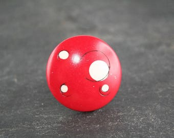 """Ring adjustable """"Copyright"""" red and white broken polymer"""