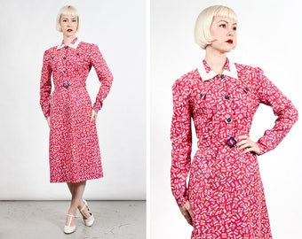 Vintage 1930s Long Sleeve Red Floral Cotton Day / House Dress
