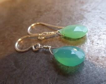 Chrysoprase drop earrings - Green chrysoprase Earrings in Sterling silver 925 - teardrop gemstone earrings