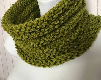 Cowl, Scarf, Hand Knit Scarf ,Infinity scarf, Knit cowl, scarflette, neckwarmer, Womans Scarf, Winter Scarf, Green, Ready to Ship