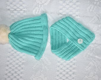 Toddler hat and cowl set- mint