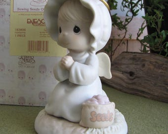 Precious Moments Sowing the Seeds of Kindness Angel Figurine Retired Sailboat Symbol 1995