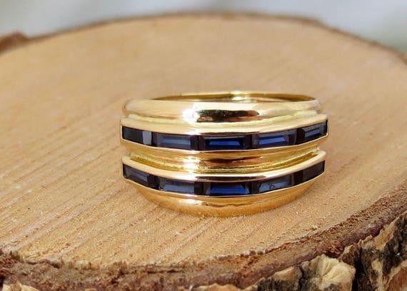Yellow gold sapphire ring.