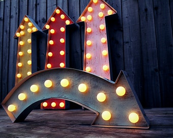 Marquee Arrow Curved (Relic // Patina // Sign & Light // Vintage themed // Wedding // Distressed // Home lighting)