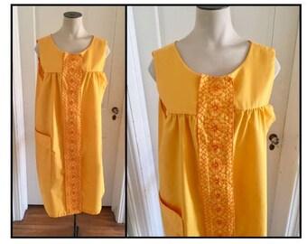 Vintage 1960s Misses' Yellow Orange Sleeveless Dress 14 16