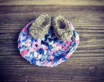 2 miniature slippers, basts / Frige magnet / brooch / Bridesmaid Gift / Housewarming Gift