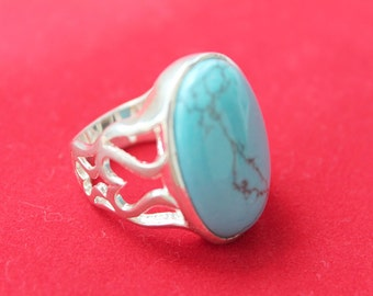Turquoise Ring Set in 925 Sterling Silver US Size 10