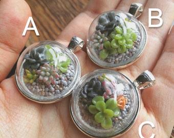 Miniature Succulent Pendant (25mm)