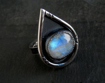 Moonstone ring / rainbow moonstone ring / blue moonstone / June birthstone / moonstone jewelry / ready to ship / teardrop jewelry / gift