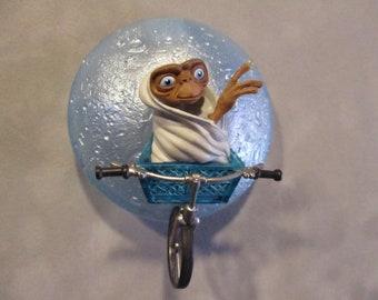 E.T.  The Extra Terrestrial ornament, 20th Anniversary