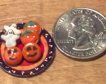 Dollhouse Miniature  Halloween Cookies on Pumpkin Plate 1:12  One Inch Scale