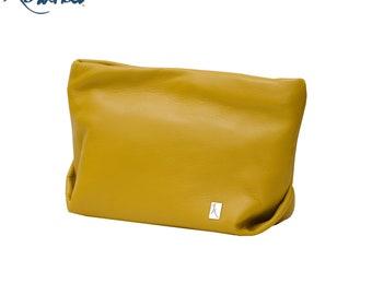 Makeup clutch bag leather