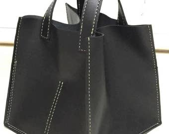 The SQUARE BLACK LEATHER Bag