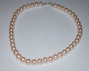 Pink glass pearl beaded necklace
