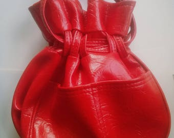 Vintage cherry red vinyl drawstring satchel handbag purse clutch shiny patent tex-made