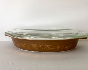 Pyrex Early American Divided Casserole Dish w Lid 1 1/2 Quart Serving Baking 1970s Metallic Gold and Taupe Brown