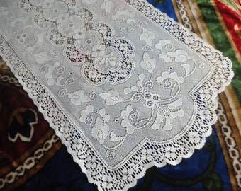 Vintage Lace Table Runner 68x15