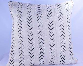 19x19 Double-Sided African Mud cloth Pillow Cover; Bogolanfini Decorative Pillow, Black & White Mudcloth Throw Pillow -BF1028