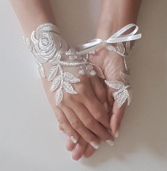 Ivory Wedding gloves bridal gloves lace gloves fingerless gloves ivory gloves guantes french lace silver frame gloves