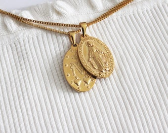 18K Gold Plated Religious Oval Virgin Mother Mary Reversible Medallion Pendant Vintage Necklace Box Twist Chain Jewlery for Him and Her