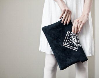 LAST ONE Envelope Bag Geometrical Illusion Leather Suede Dark with White No. EB-1011