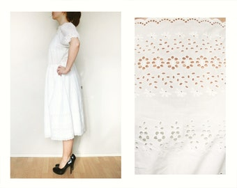 Frill dress, white lace 80s clothing vintage day dress M medium small flowers