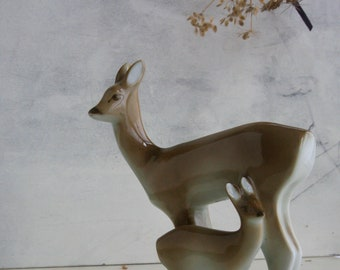 Deer with Fawn - Vintage Hungarian Figurine from Zsolnay Pecs