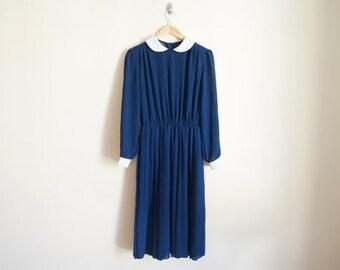 Vintage 1960s Dress / Peter Pan Collar Dress