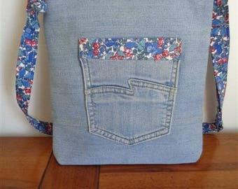 SMALL MESSENGER bag made of recycled denim - 2