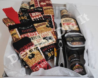 Grillmaster Gift Set/ Barbecue Gift Sets/ Cooking Potholder Mitt Set/ Personalized Gift/ Custom Embroidery/ Oven Mitts/ Pot Holder Sets