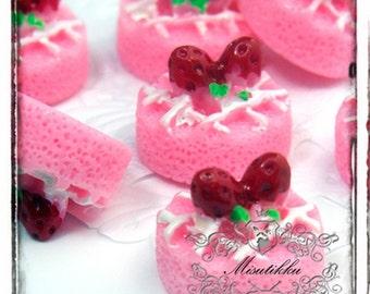 2-10 PCS X 18mm Pink Strawberry Cake Cabochon Cute Sweets Cabochon Kawaii Miniature Food Cabochons Fruit Flatback Deco embellishment CK01P