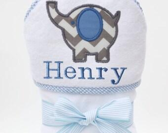 Hooded Bath Towel, Baby Bath Towel, Personalized Baby Towel, Monogrammed Towel, Elephant Baby, Baby Beach Towel, Baby Boy, Toddler Boy