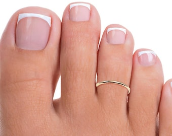 Gold Filled Band Toe Ring, Gold Band Adjustable Toe Ring, Thin Gold Toe Ring, Gold Toe Ring, Gold Pinkie Ring, Tiny Toe Ring, Thin Toe Ring