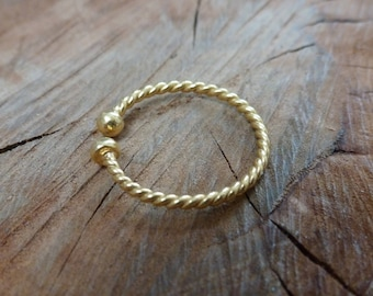 Minimal Open Twist Ring Gold Plated