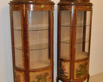 Beautiful Curved Hand Painted French Style Curio Cabinet With Brass Ormolu Mounts