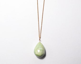 Ceramic Necklace, Ceramic Jewellery, Clay Necklace, Clay Pendant, Delicate Necklace, Dainty Gold Necklace, Modern Jewelry, Minimal Jewelry