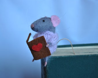Bookmark gray mouse