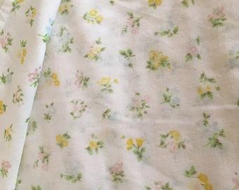 Vintage Fabric Flowered Sheet Flowers Soft Fabric