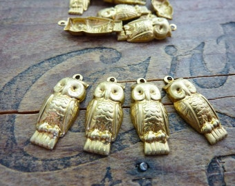 Brass Stamping Owl Charm (4) Made in USA