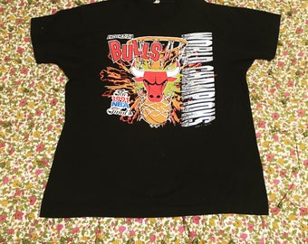 Chicago Bulls Vintage Tshirt // 1990s Basketball Tee // 1991 NBA Finals World Champions // Super Soft Screen Stars Shirt