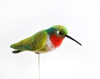 The felt bird  - Hummingbird. Fully handmade and unique gift. Felt Bird brooch  - аccessory for a hat or coat. Reasonable price for you!