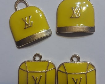 Charm 4 pieces Yellow