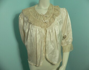 1930's -40s Cream Silk and Rayon Bed Jacket with Smocking Beige Lace, Size L