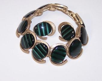Bracelet vert Vintage & attache boucle d'oreille ensemble, oeil de tigre Faux, liens de ton or ovale, Marboux 1036