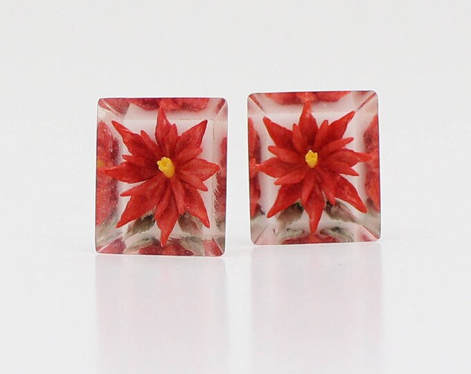 Vintage 1940s Reverse Carved Lucite Poinsettia Earrings