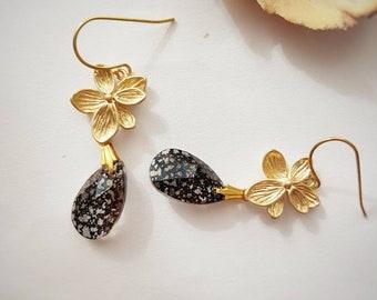 Golden Flower Earrings, Bridal Jewelry, Evening Earrings, Nature Jewelry, Teardrop Crystal, Elegant, Statement, Romantic, Marble, Black Gold