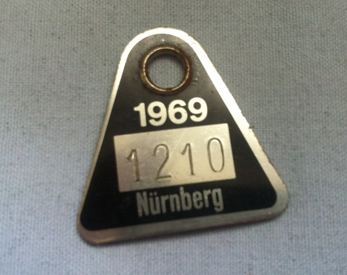 Vintage Dog Brand 1969 Nuremberg collectors object